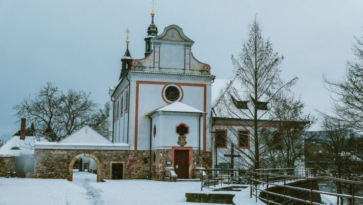 Kostel, zima 2021   foto: Jiří Fišar